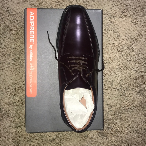 Neverworn By Adidas Mens Dress Shoe